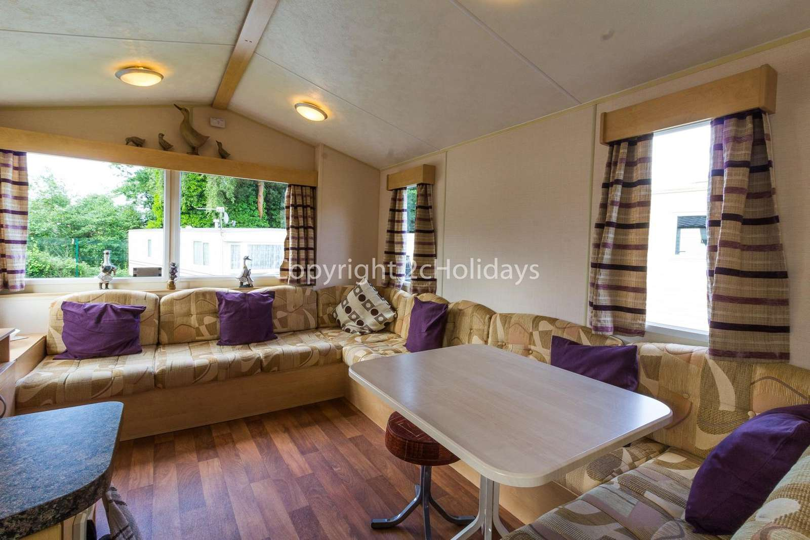 Open plan living/dining areas, perfect for families