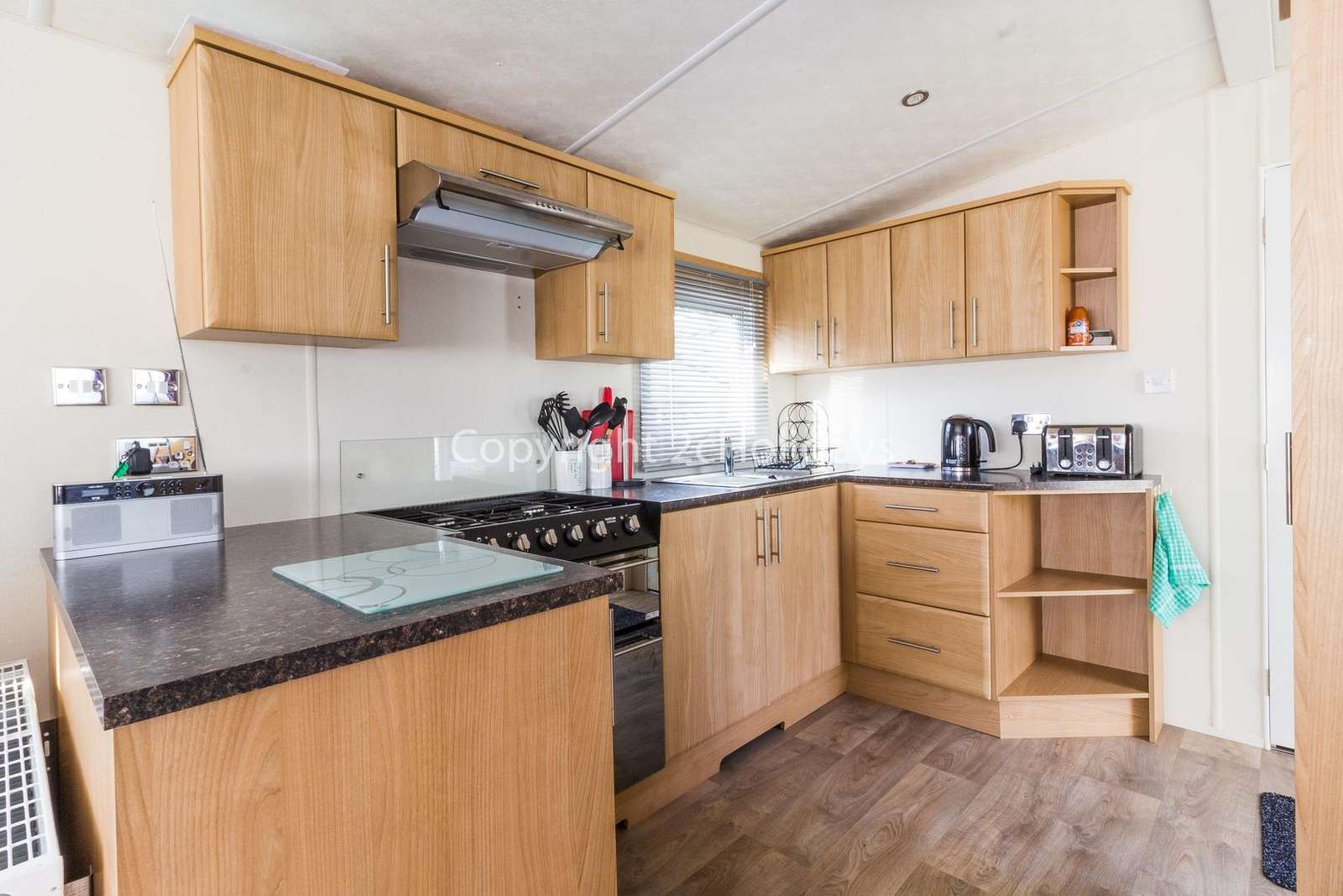 A fully equipped kitchen, perfect for self-catering holidays!