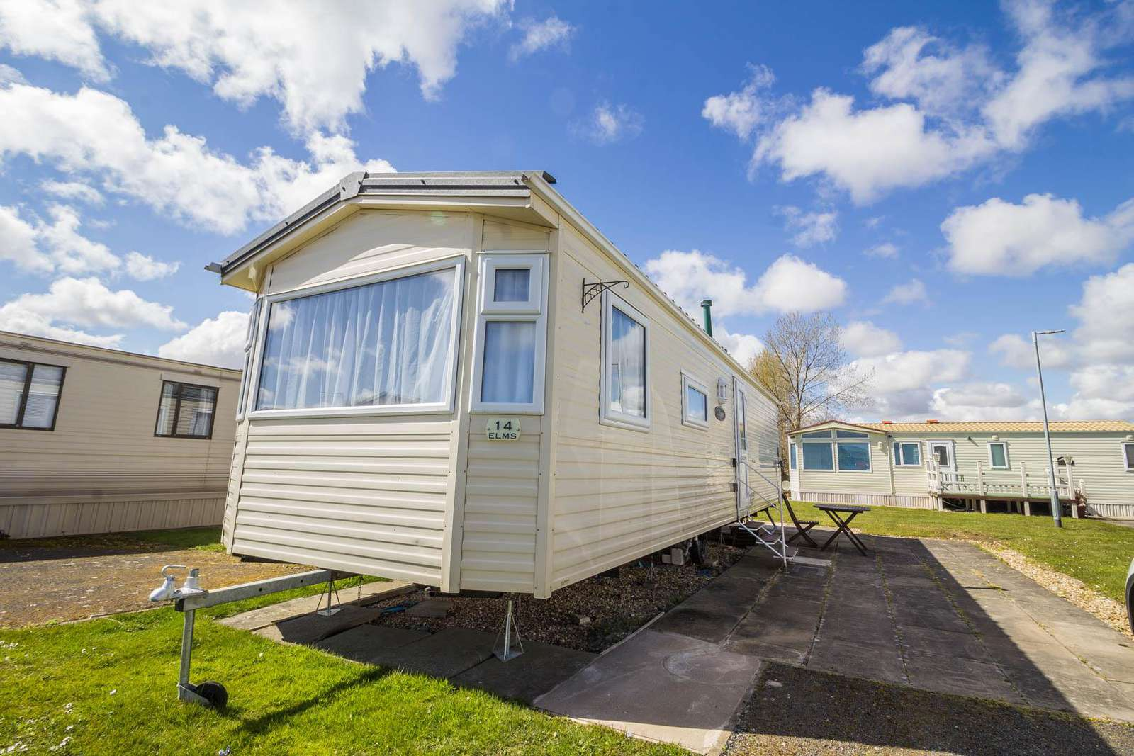 33014E – The Elms area, 3 bed, 8 berth caravan close to park amenities. Emerald rated. - property