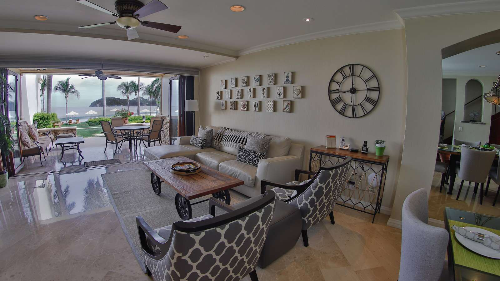 Spacious living area, access to beach and pool area