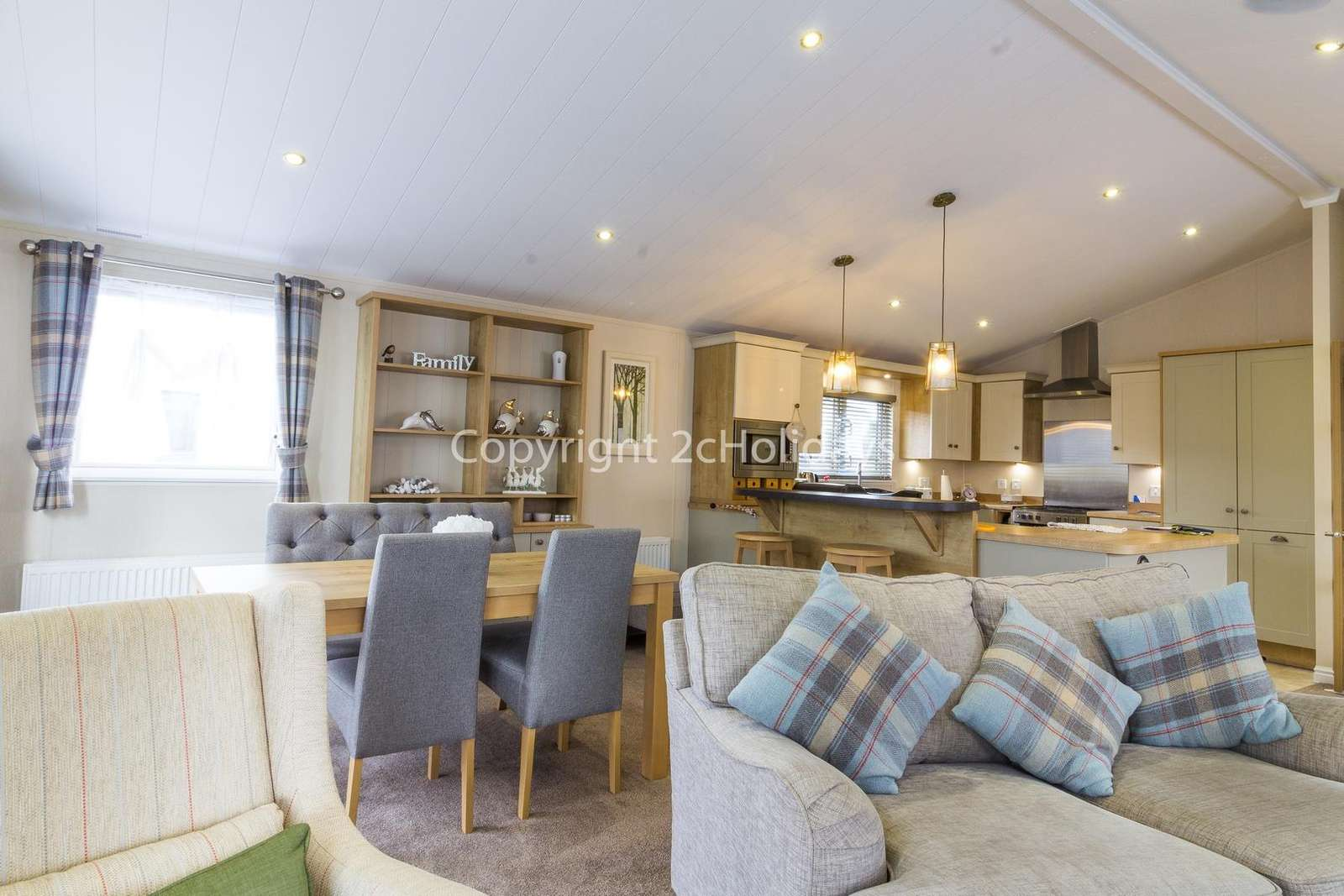 Stunning open plan lounge/diner and kitchen!