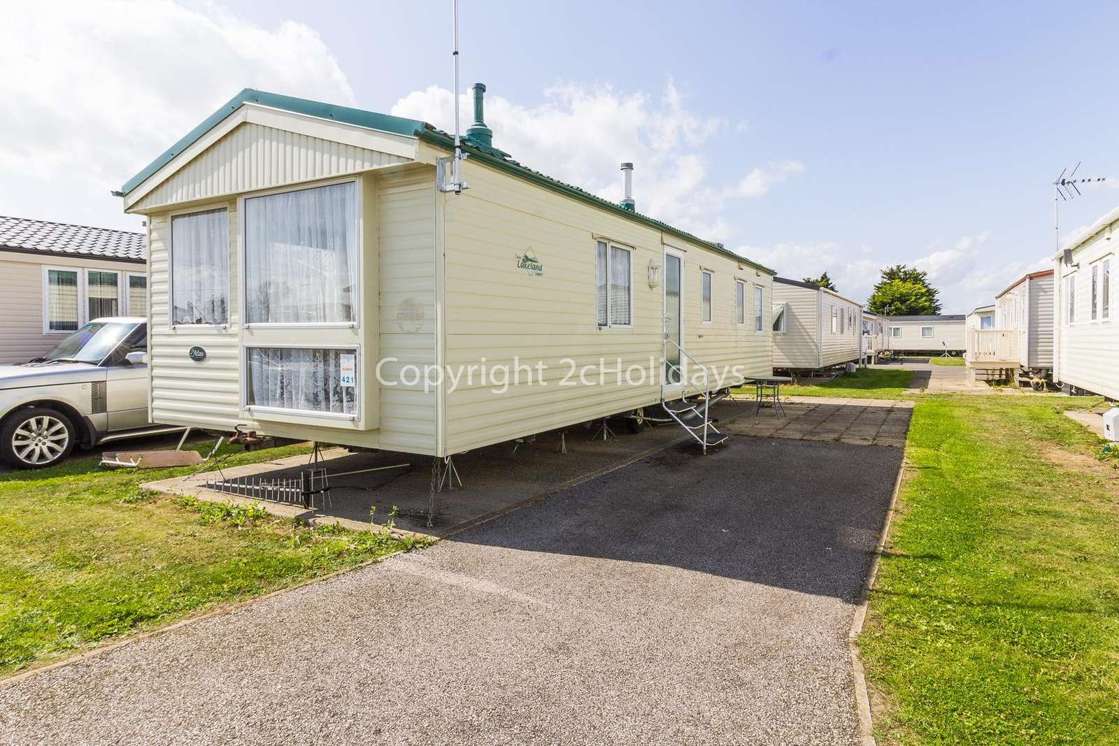 Superb caravan on a brilliant holiday park with lots to offer! - property