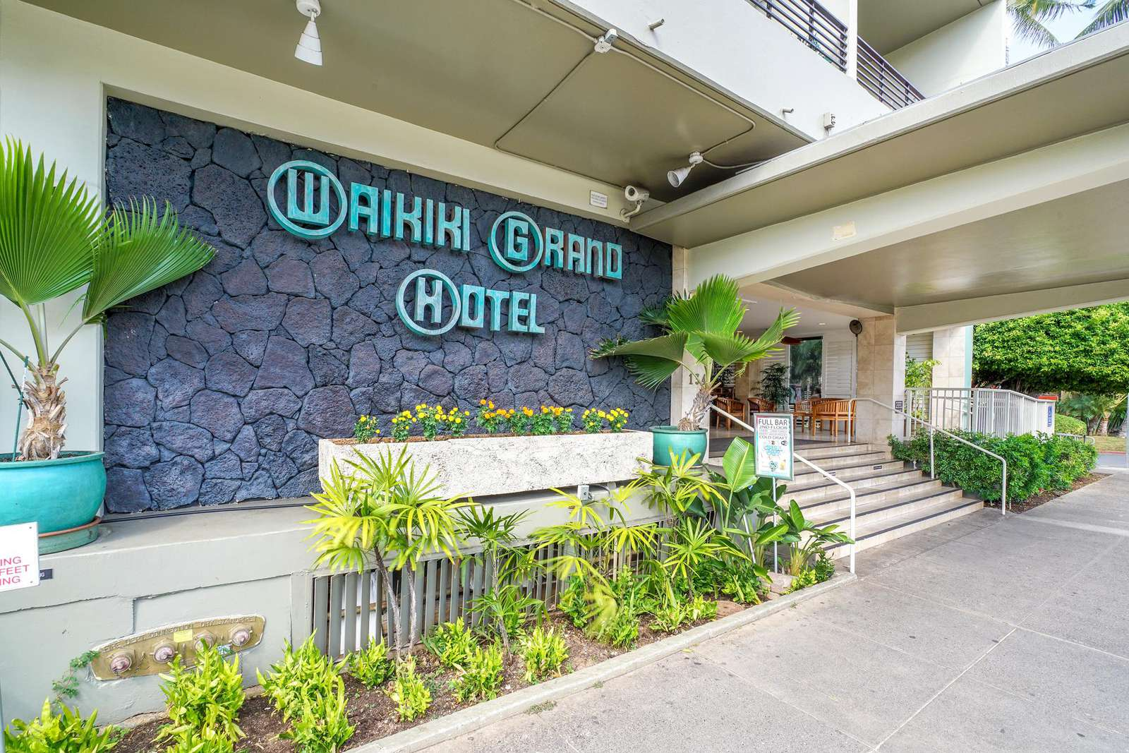 The Waikiki Grand is located just a minute walk to the Ocean