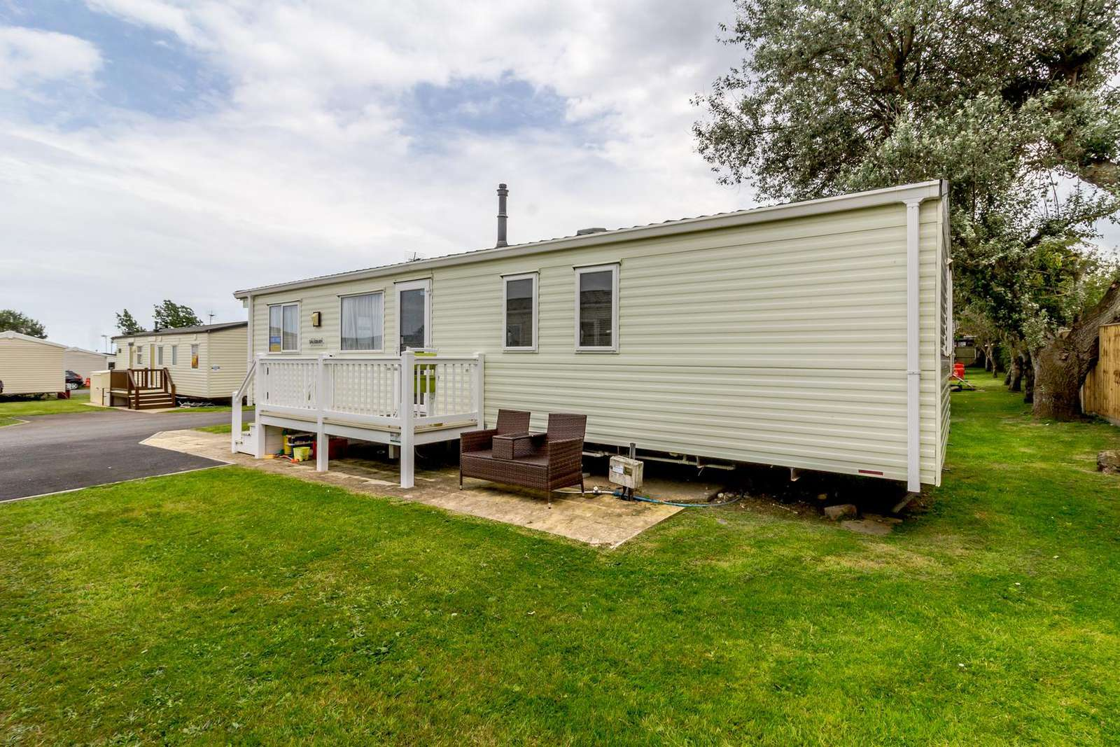 80101S – Southreach area, 3 bed, 8 berth caravan with decking, C/H & D/G. Diamond rated. - property