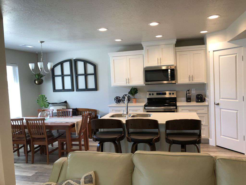 Living Area & Kitchen - property
