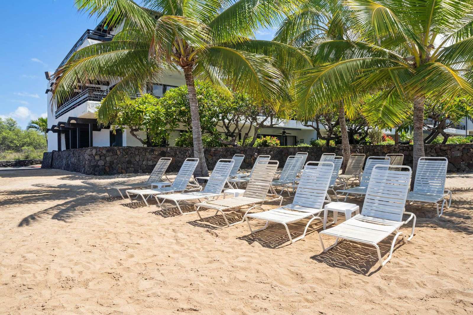 Casa's private sandy beach area.
