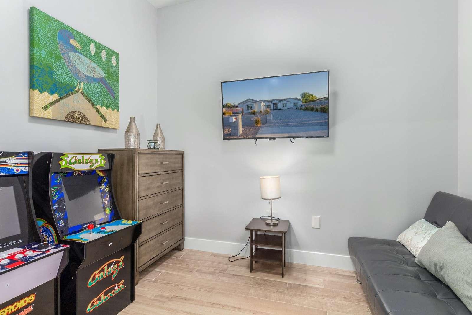 9th Bedroom-Den w/Futon Is Also An Arcade.