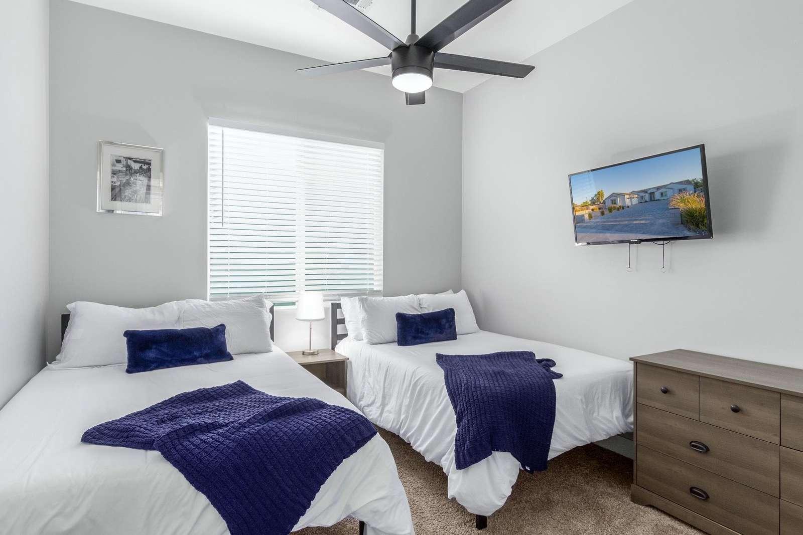 2nd Bedroom Has 2 Full Beds-TV