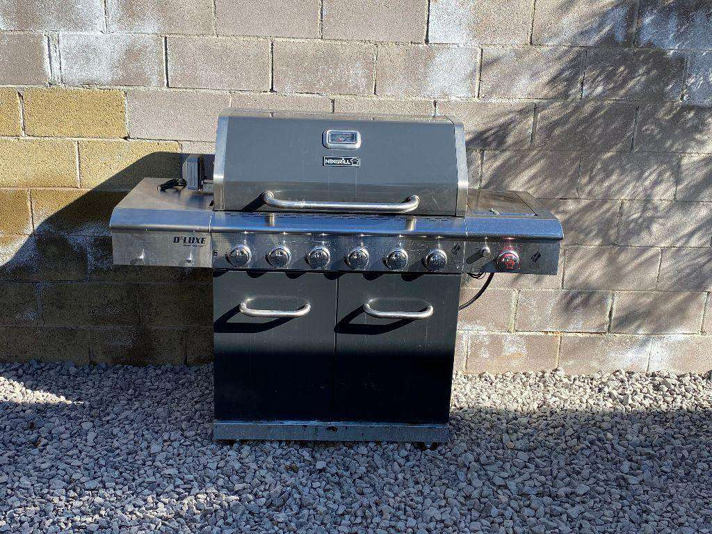 Gas Grill.