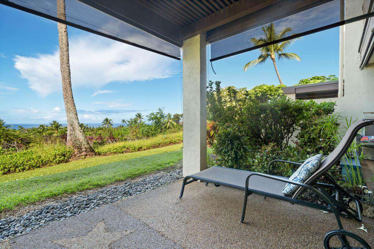 Golf course and ocean views from lanai & living areas.