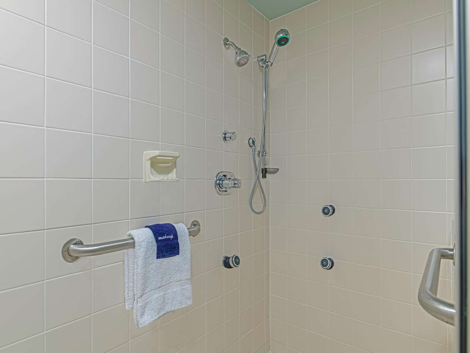 In wall jets and equipped for elderly needs!
