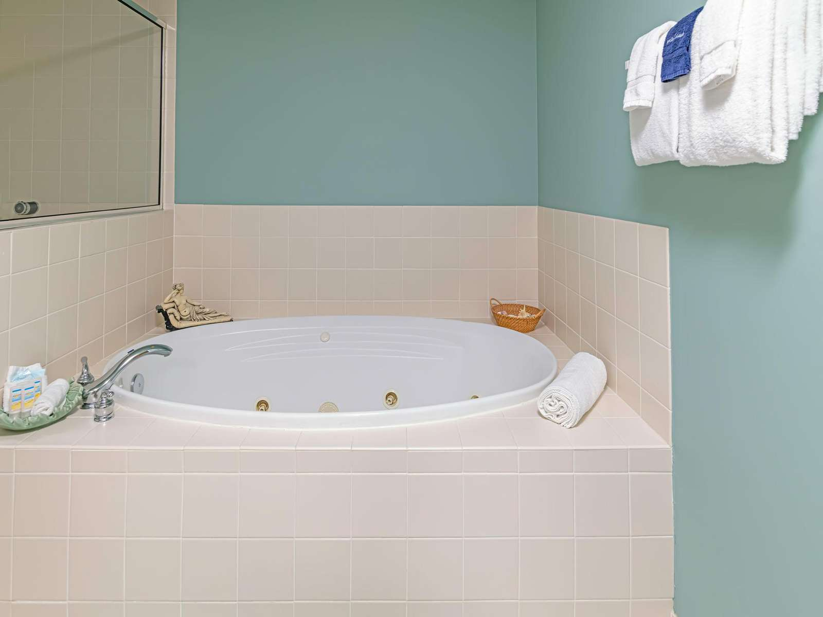 Large jetted tub to soak your stress away!