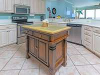 The kitchen has lots of counter space! thumb
