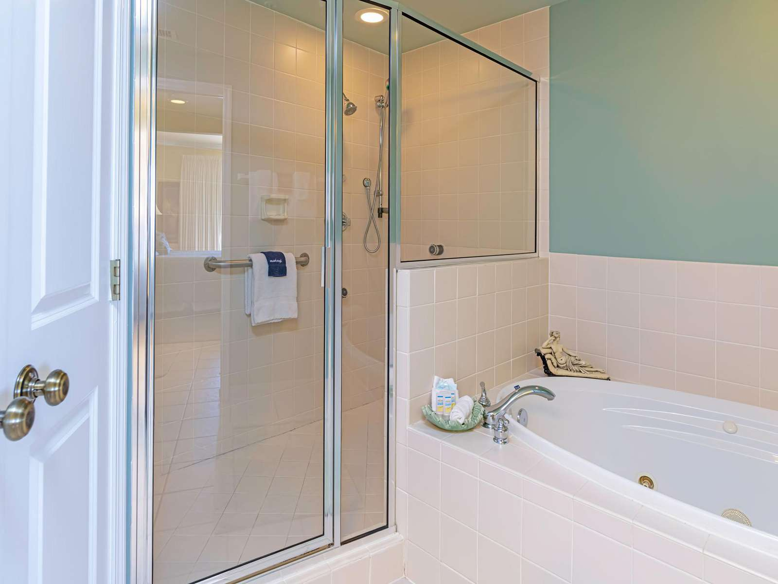 Large walk-in shower and jetted soaker tub!