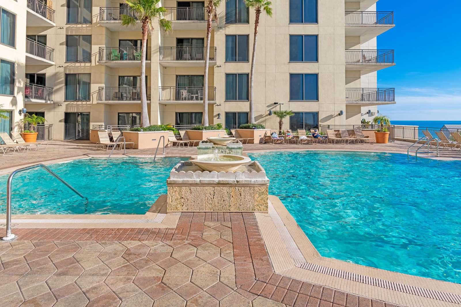 Beautiful fountains around the pool!