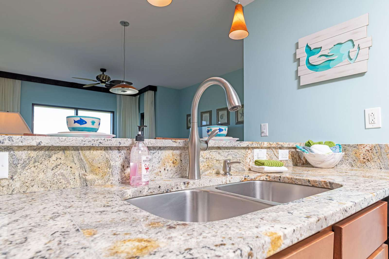 Double sided sink makes cooking and cleaning a breeze!