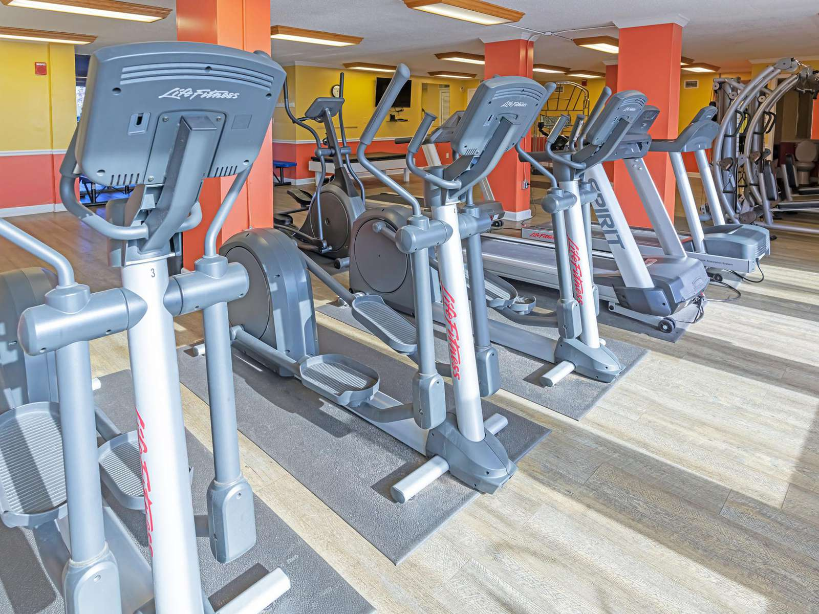 Exercise room is equipped with great machines!
