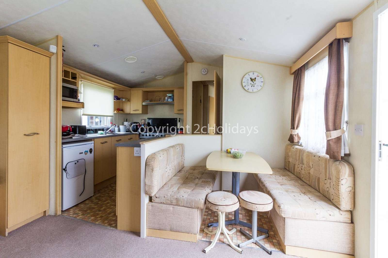 Open plan kitchen/diner, ideal for families