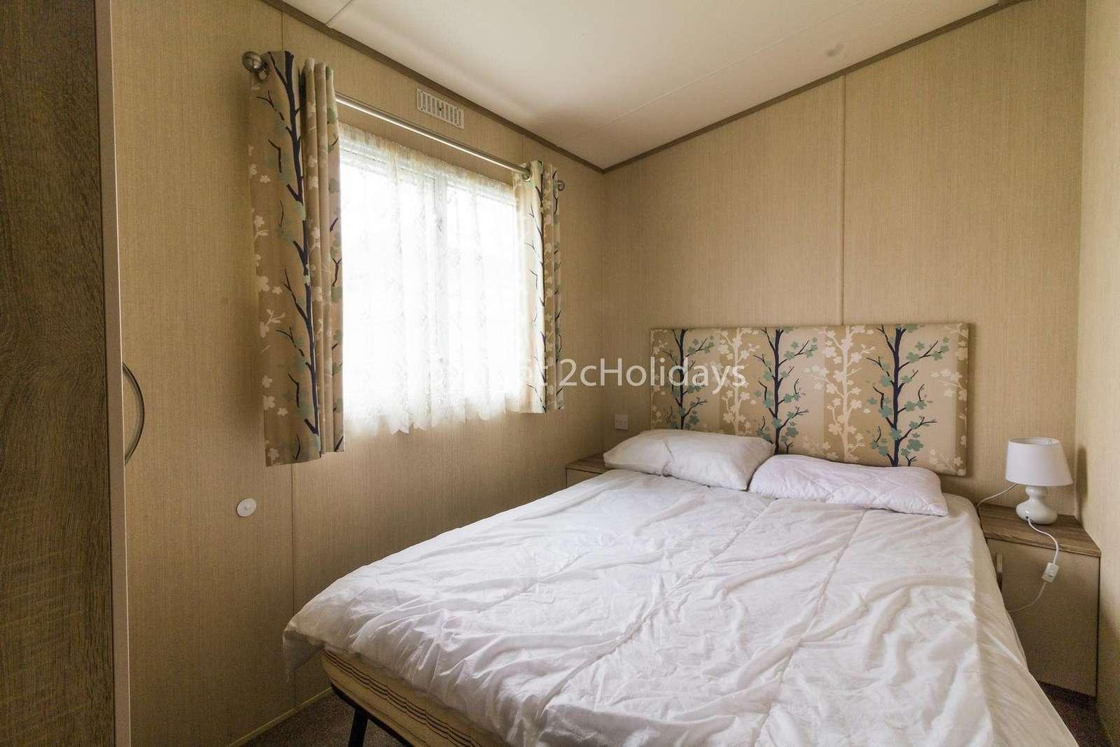 Great size master bedroom with plenty of storage