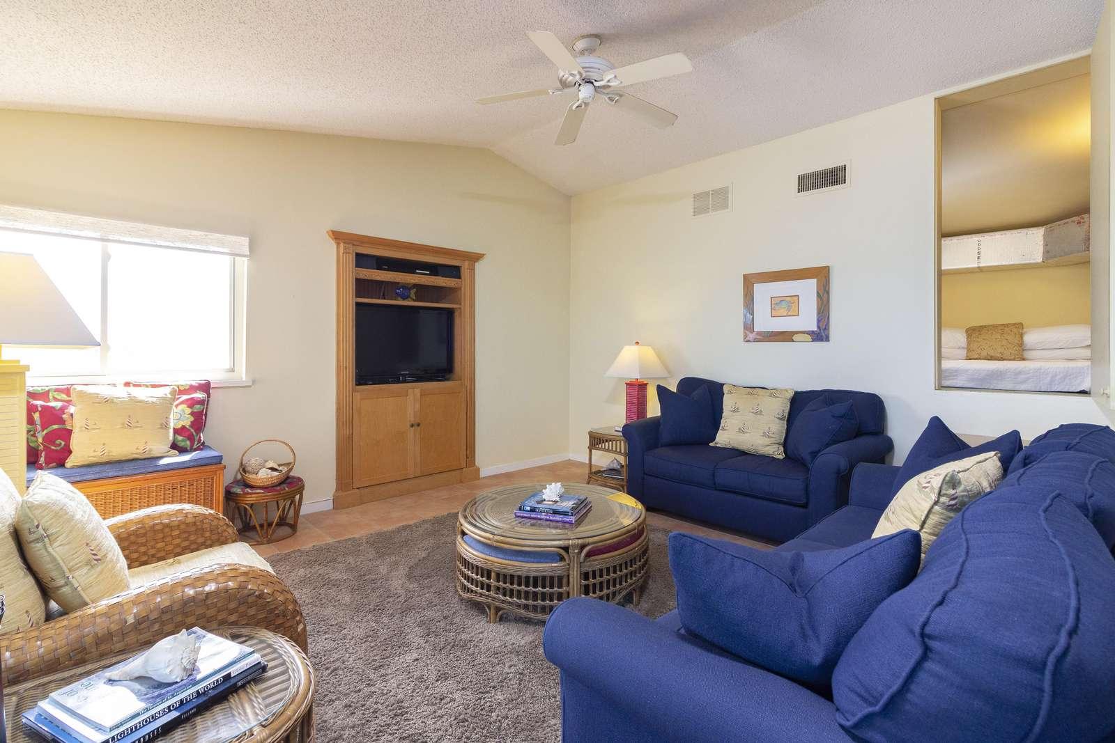 Living Room showing Sleeping Nook Location