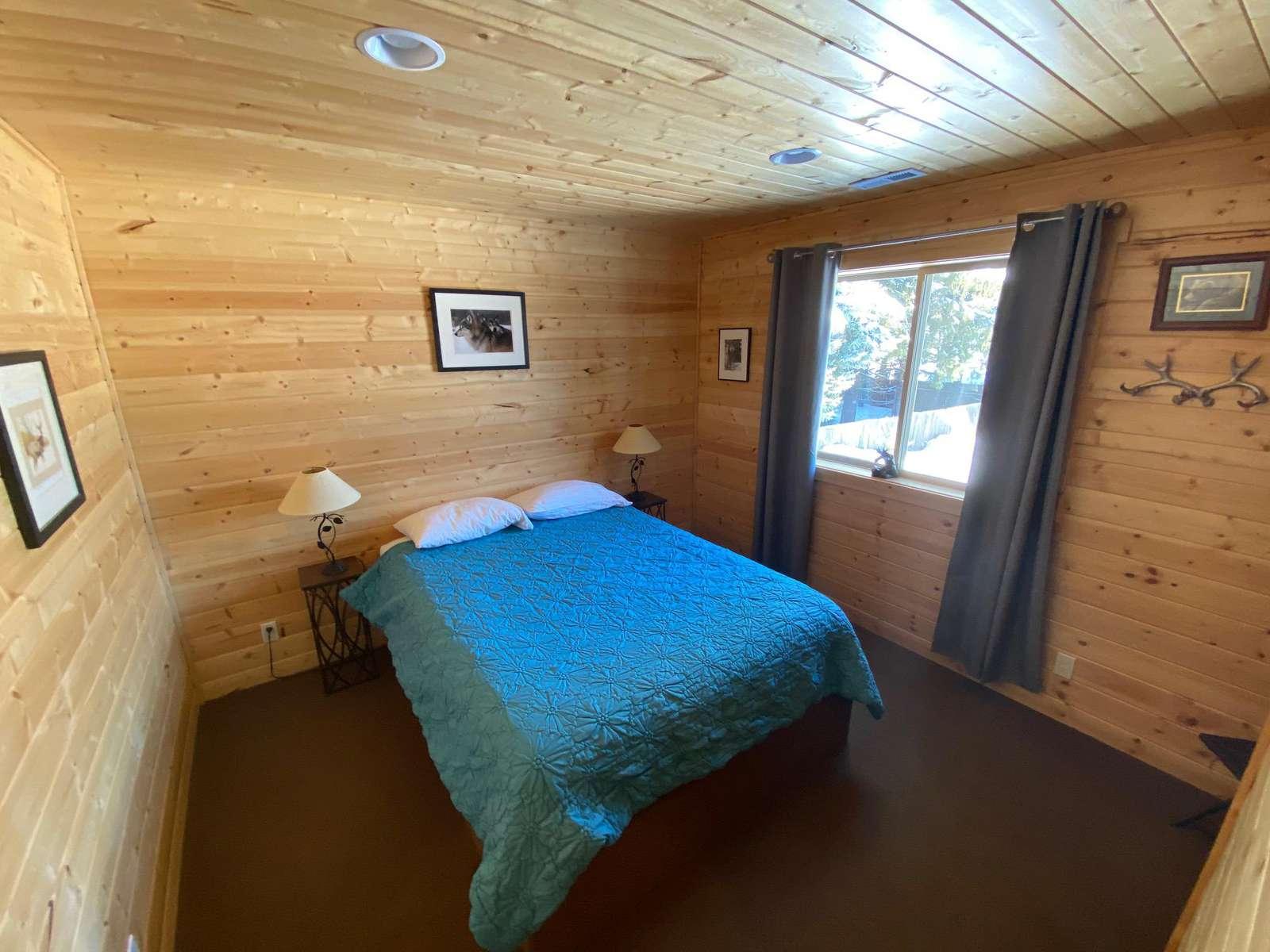 Queen Bed - Upstairs