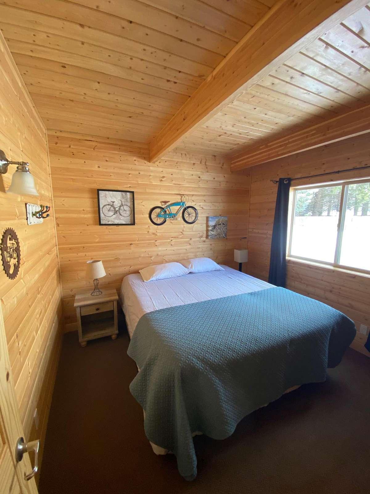 King Bed - Main Floor