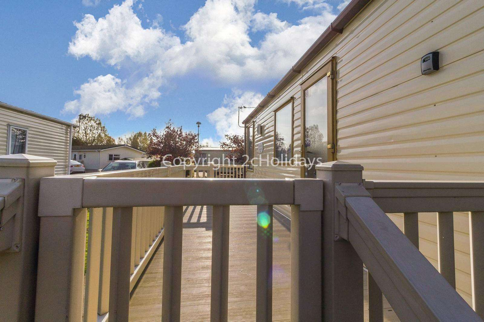 Enclosed decking, great for families!