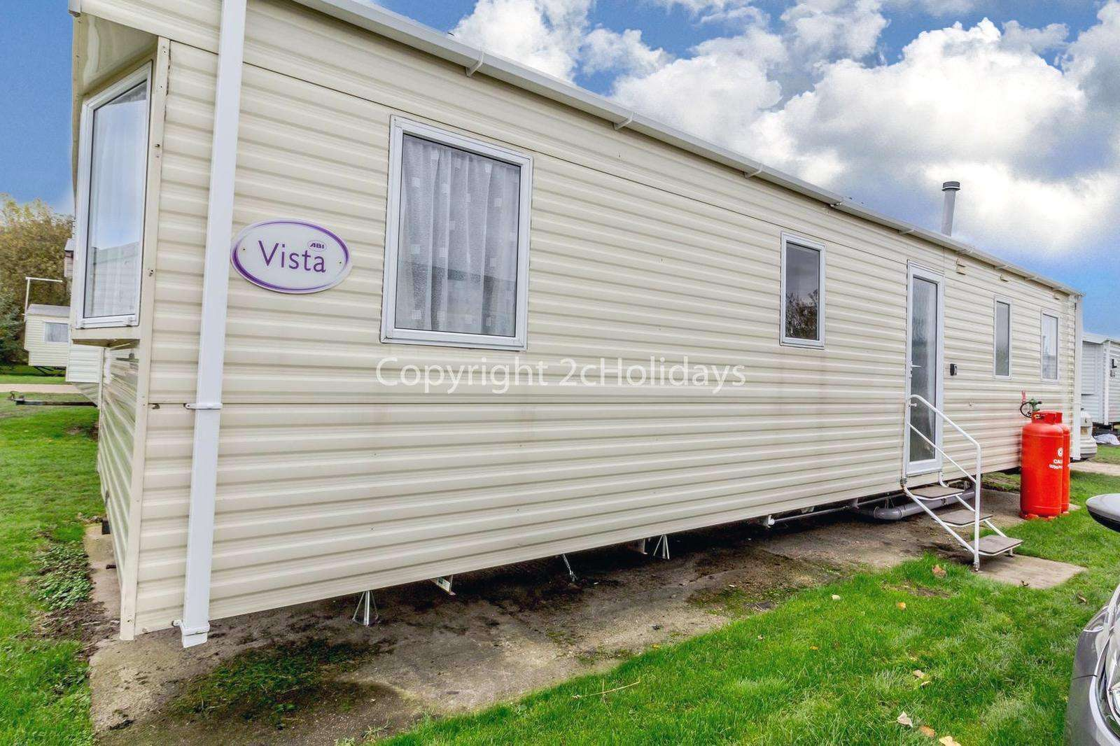Great caravan sited on a brilliant family park! - property