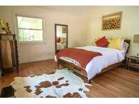 Bedroom 2 (Queen) thumb