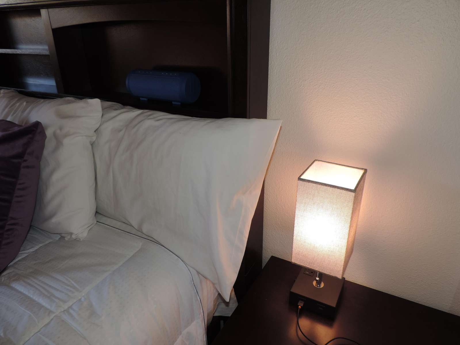 Both lamps have charging USB ports