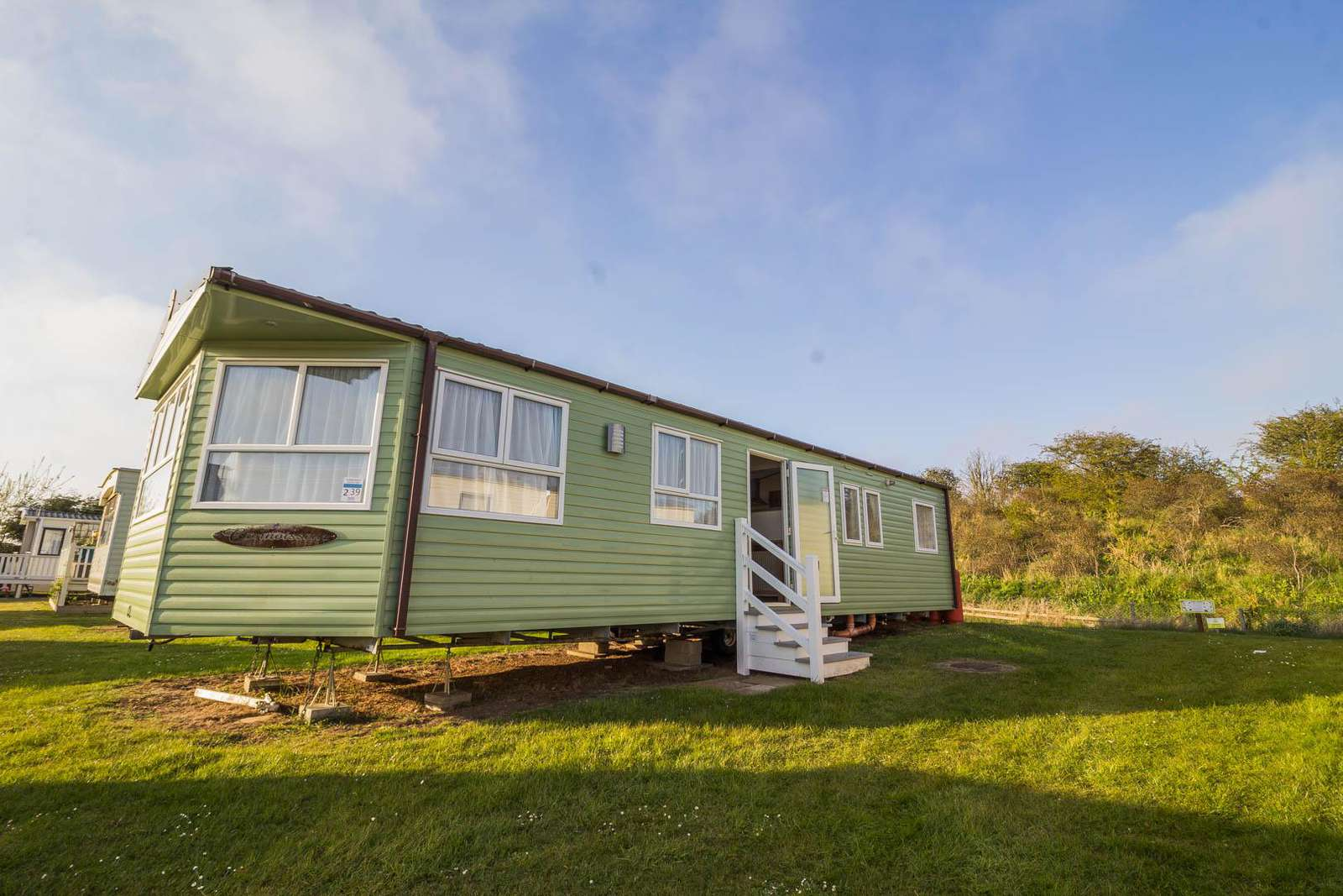 35239KD – Kingfisher Drive area, 3 bed, 8 berth caravan near to amenities. Ruby rated. - property
