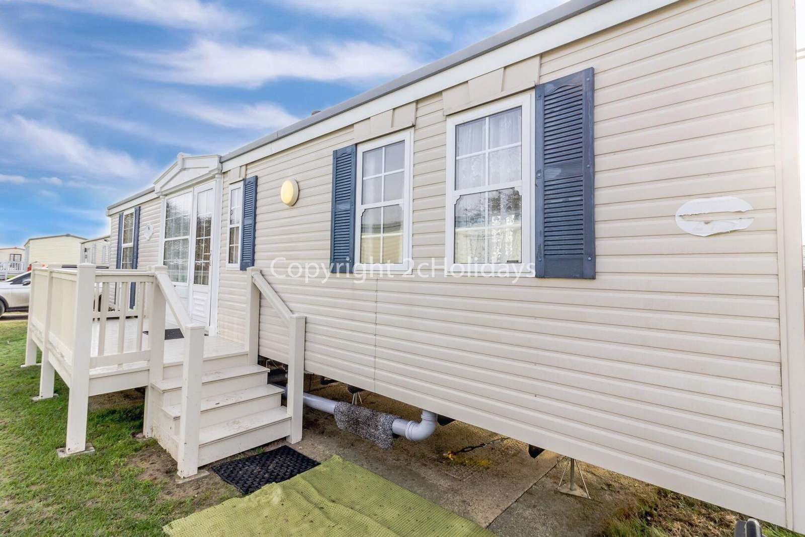 Spacious caravan on a brilliant holiday park near by to Great Yarmouth - property