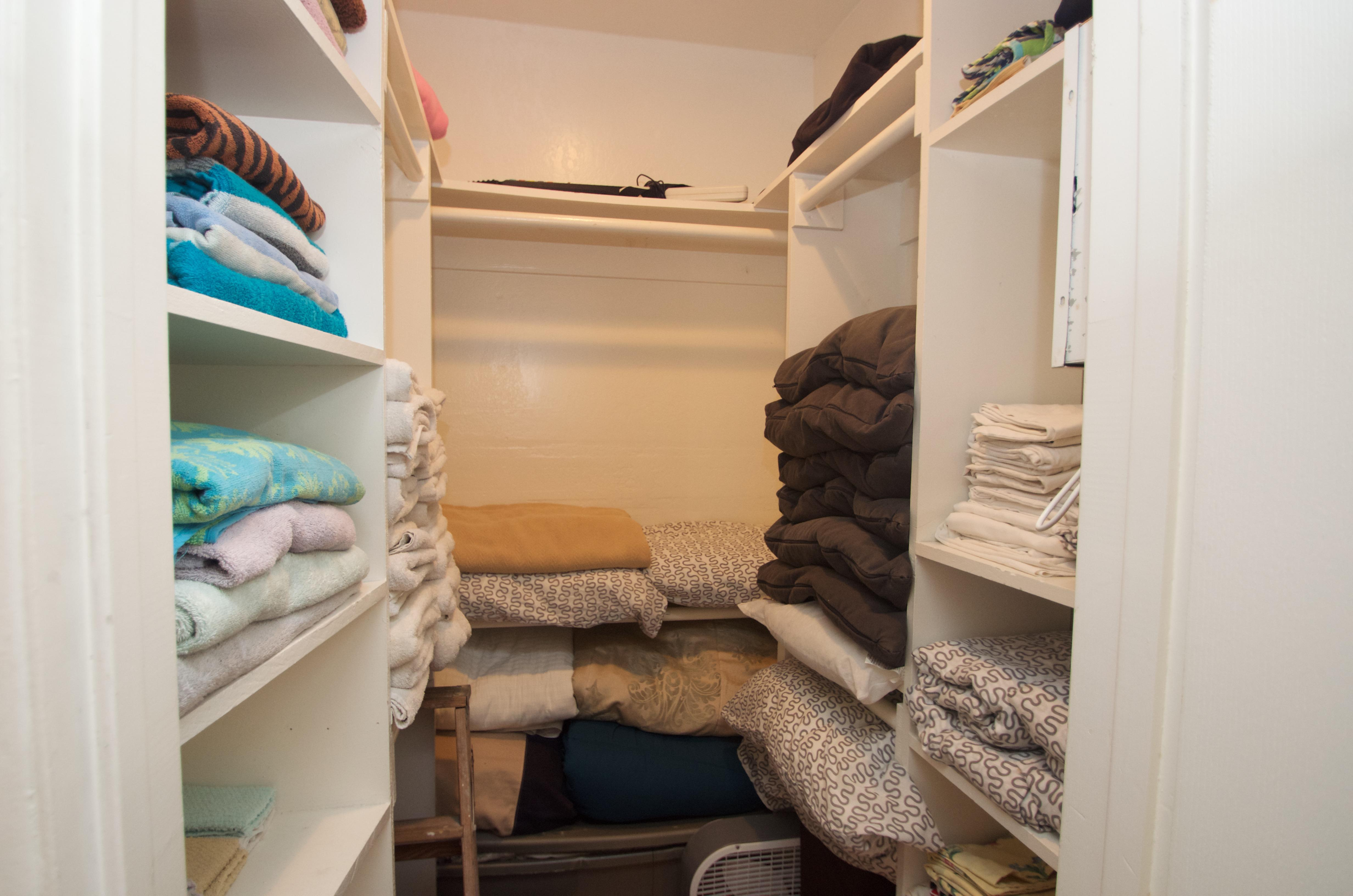 Lots of extra linens and towels