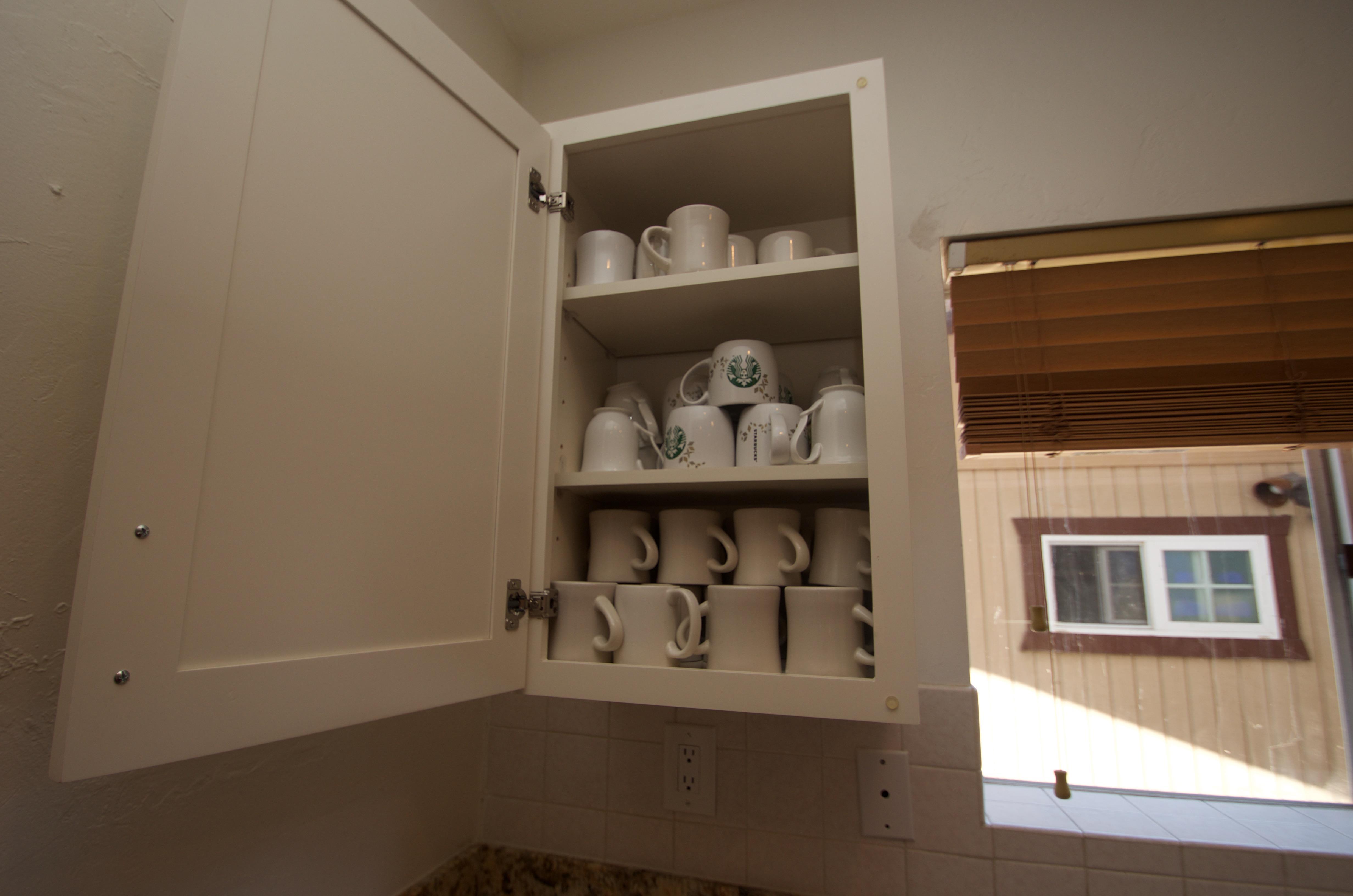 Lots of coffee mugs