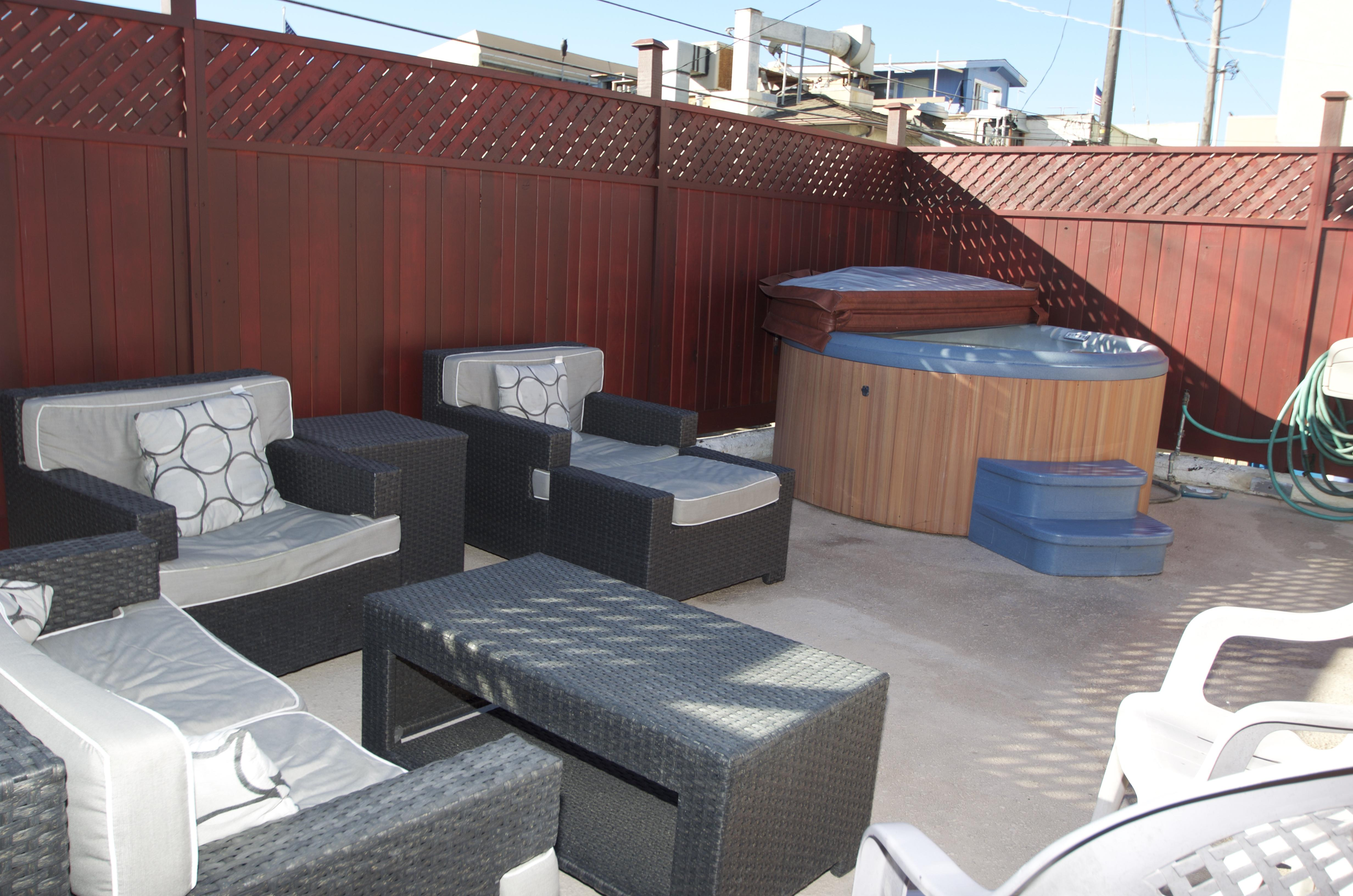 Jacuzzi deck other view