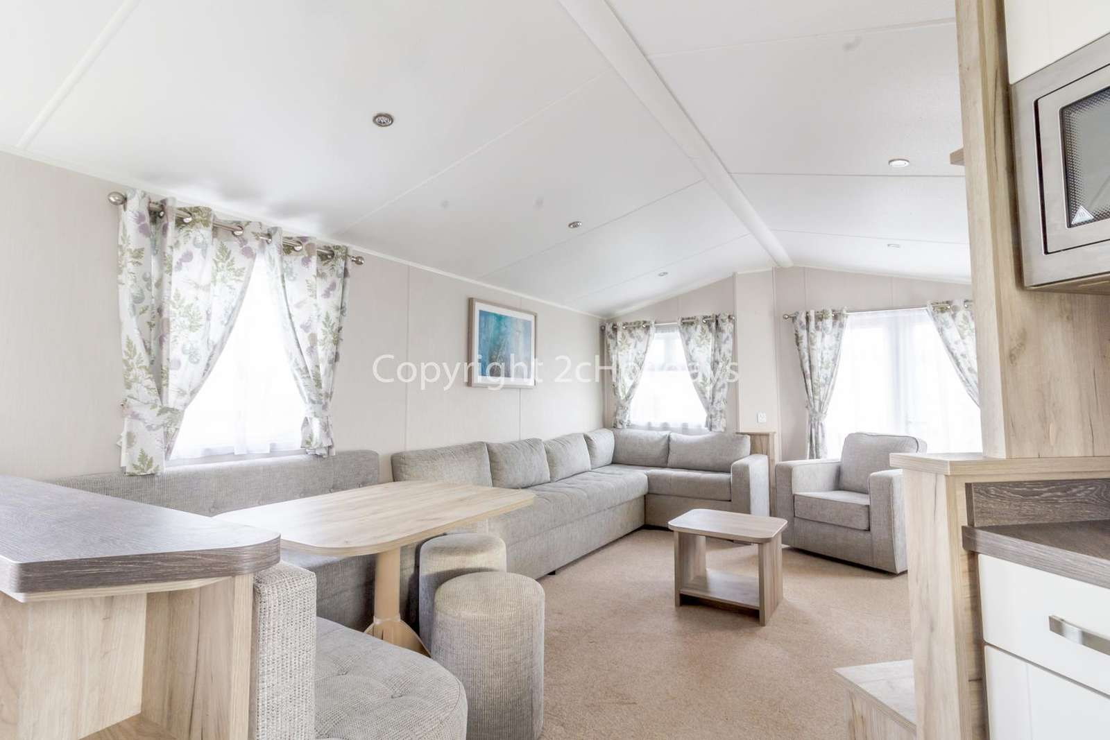 A very light and airy living/dining area, great for families