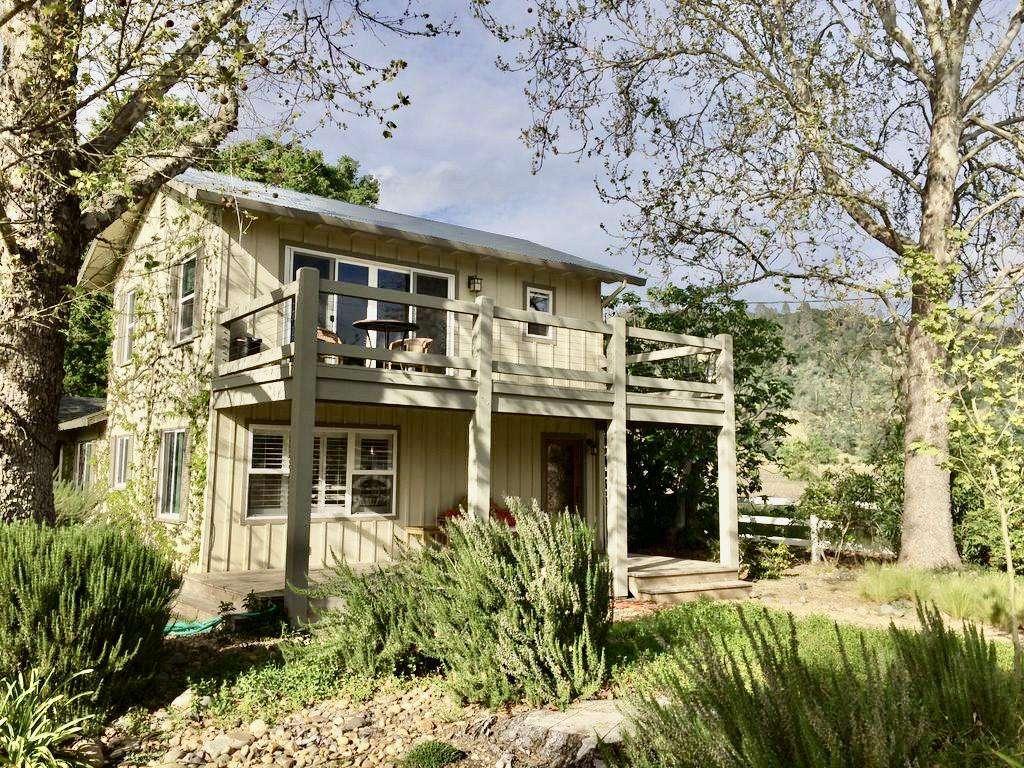 Cottage Entrance - property