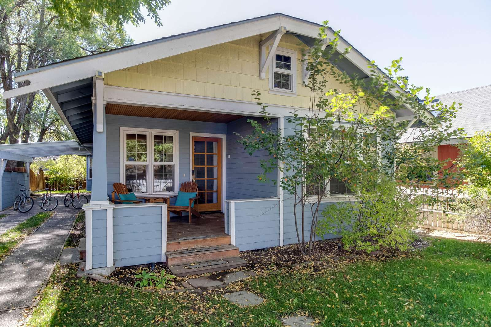 Welcome to Bungalow Blue! A charming home in the heart of westside Bend - property