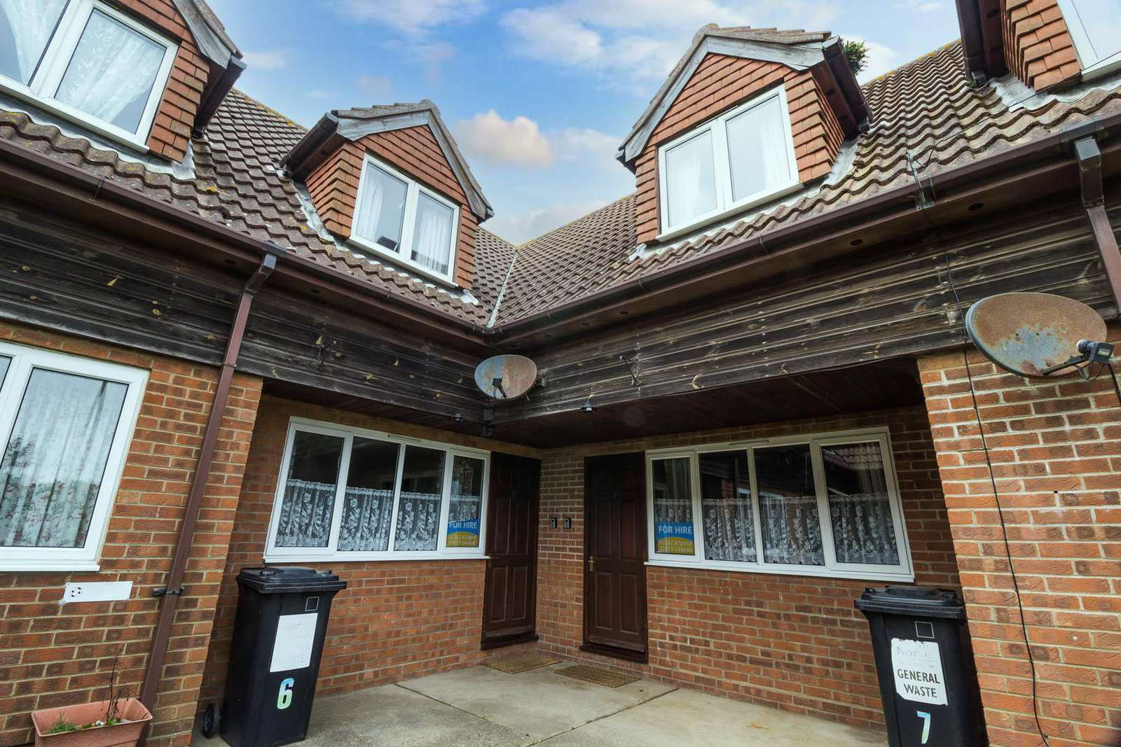 99007J – Jasmines, 3 Bedroom Holiday Cottage in Hemsby (sleeps up to 7 people). Diamond-Plus rated. - property