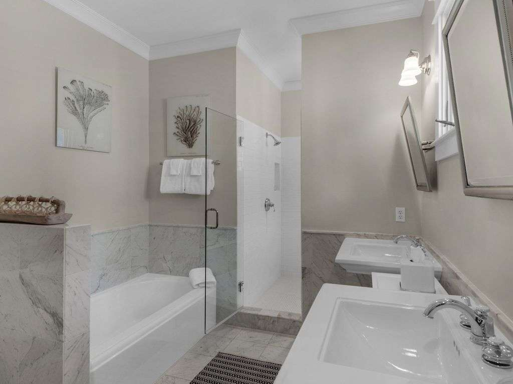 Ensuite bathroom with tub