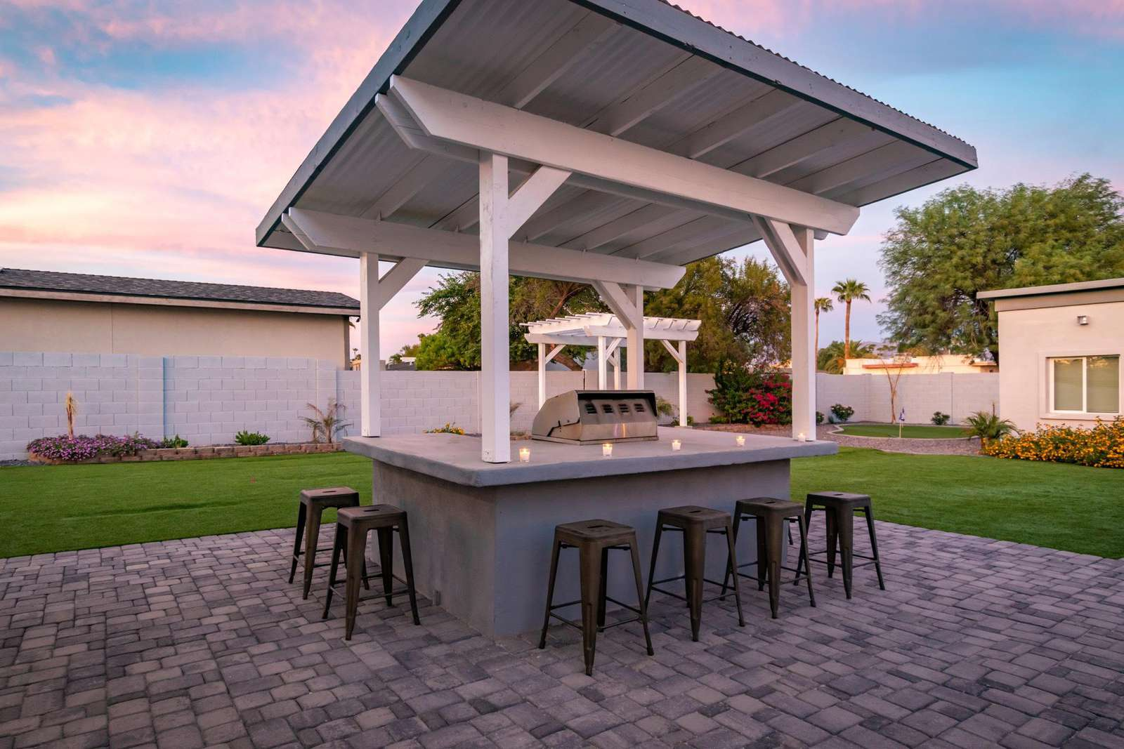 Gas BBQ Area w/Wet Bar.
