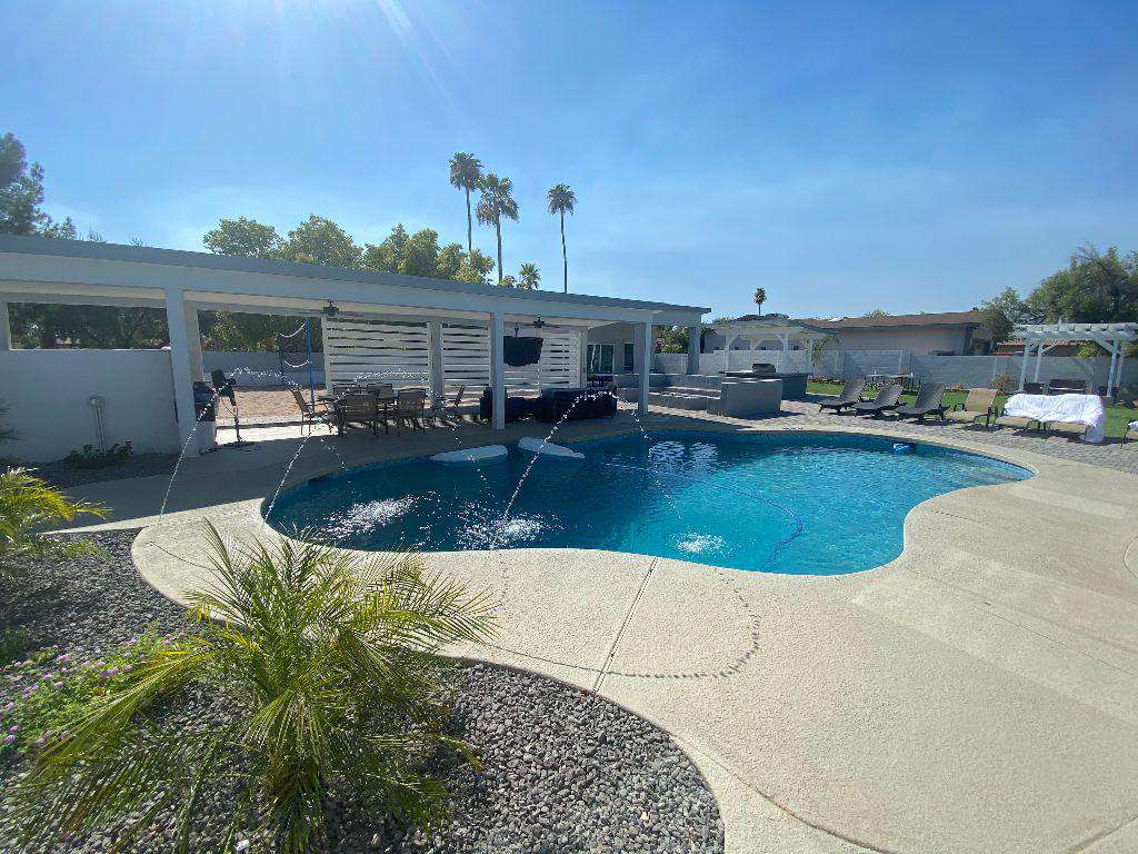 Brand new diving pool and amazing poolside cabana,