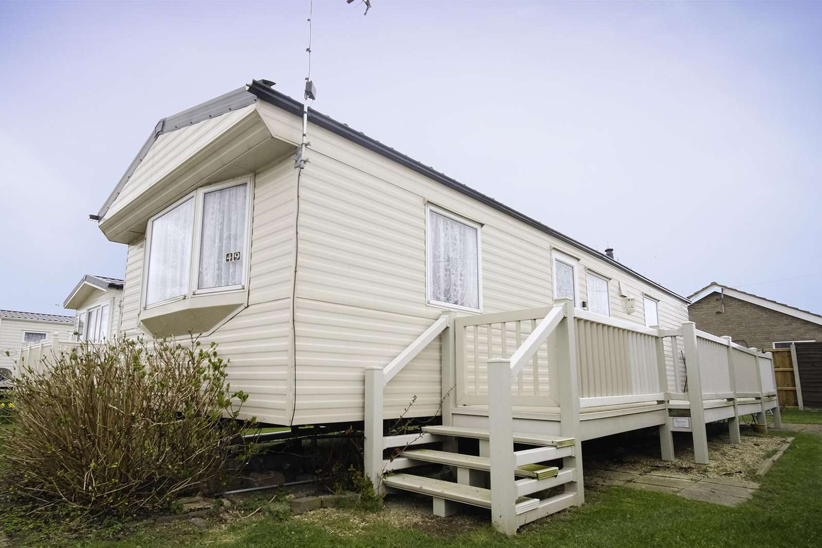 50049L – Lapwing area, 2 bedroom, 6 berth caravan with decking. Ruby rated. - property