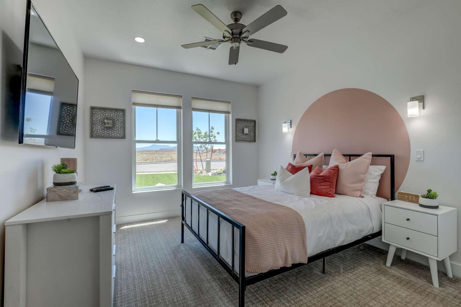 Pink circle suite