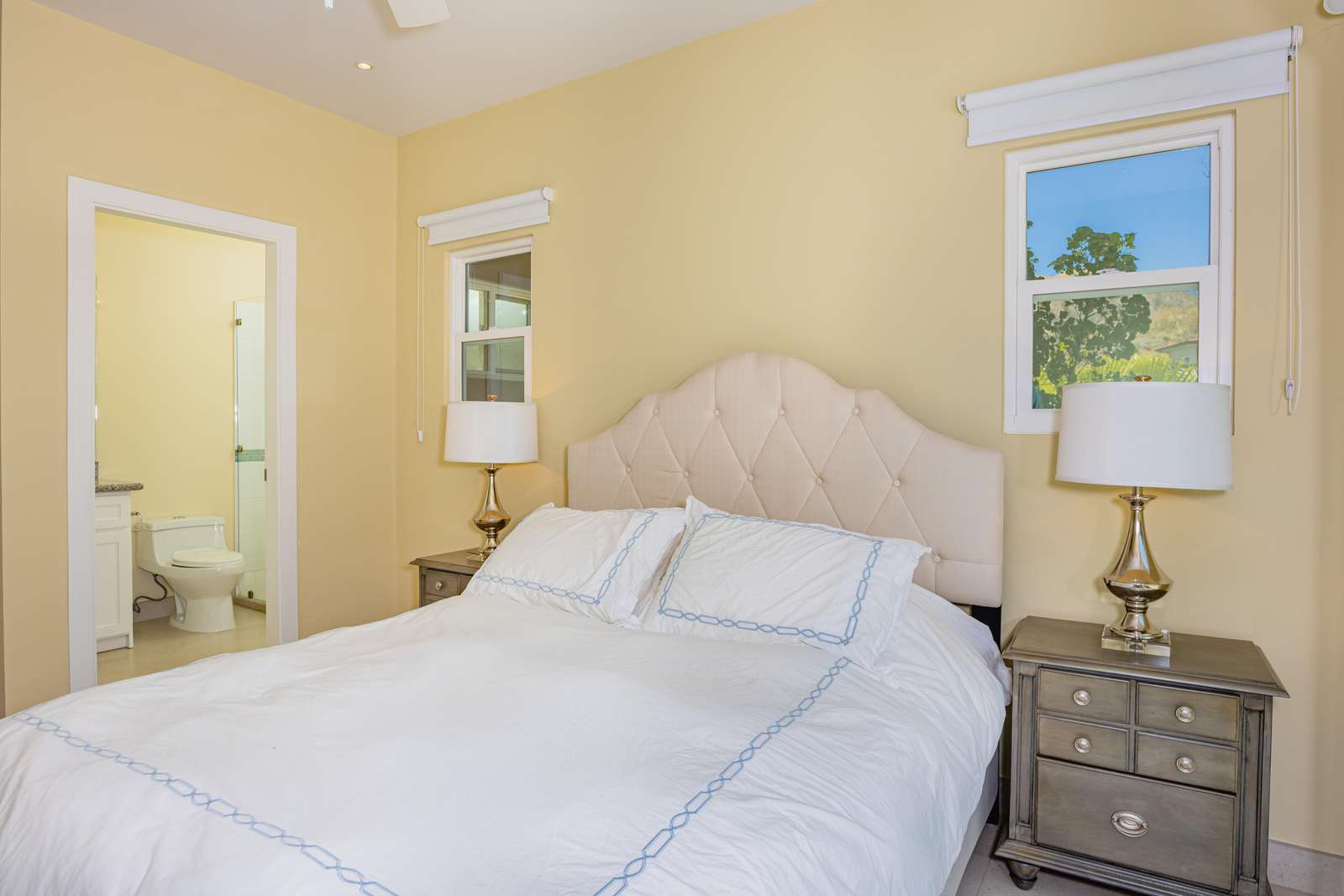 Guest Bedroom, queen bed, full bathroom
