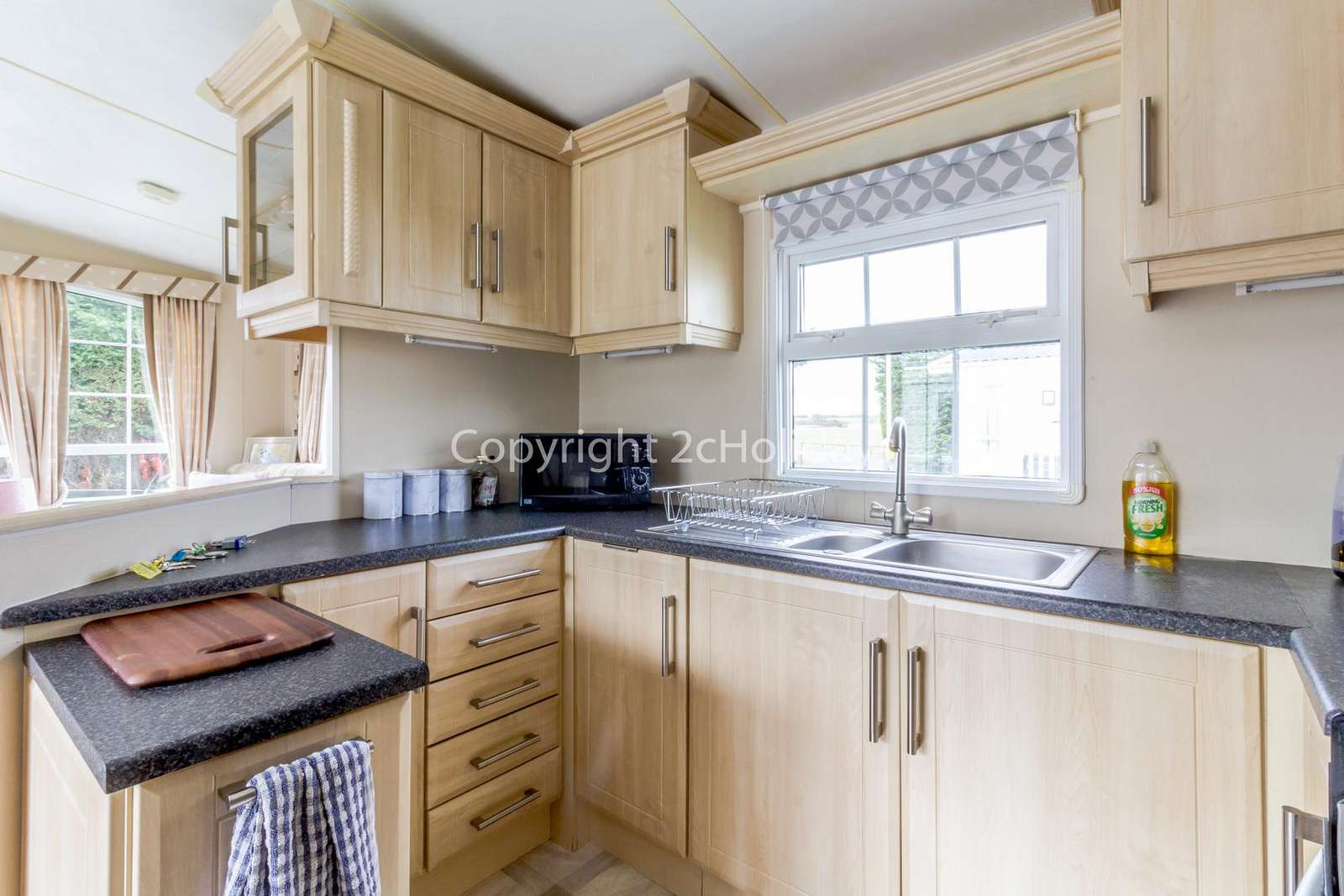 Fully equipped kitchen, perfect for self-catering holidays!