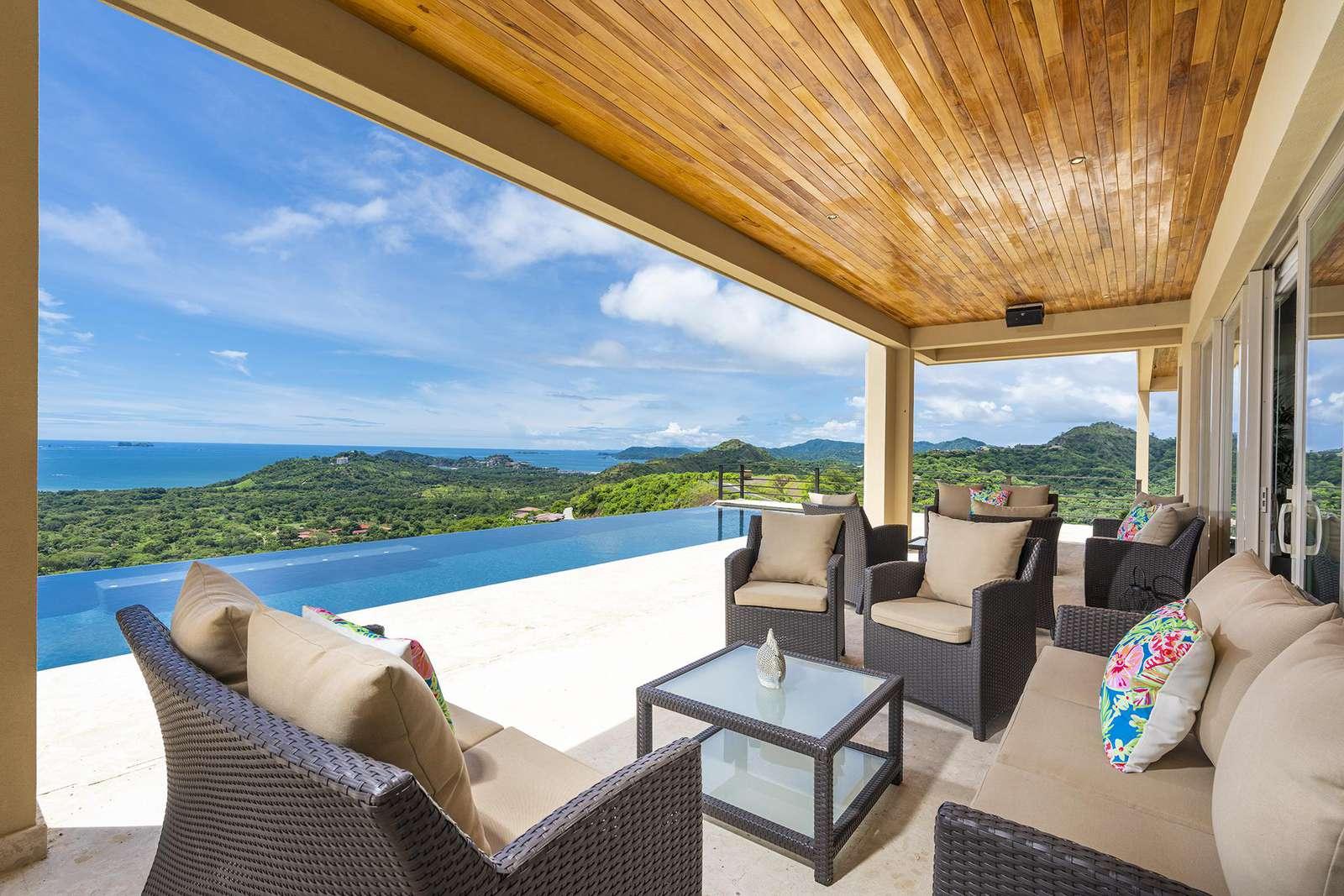 Casa Vista del Rey, million dollar views - property