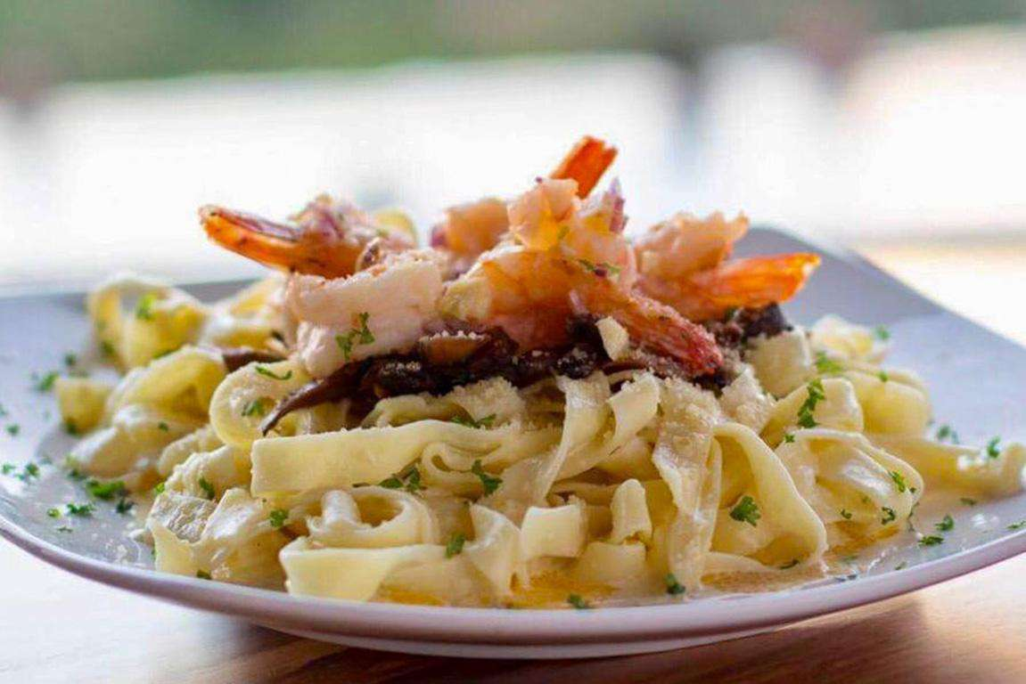 Gracia Restaurant, seafood pasta and more!