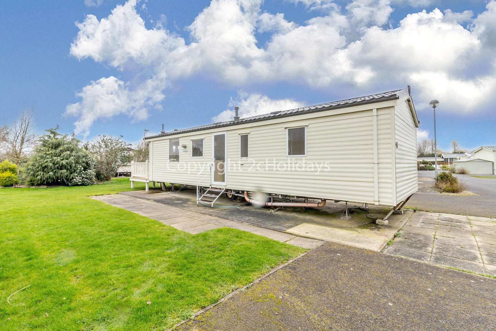 Sited on a brilliant family park with excellent amenities for children.