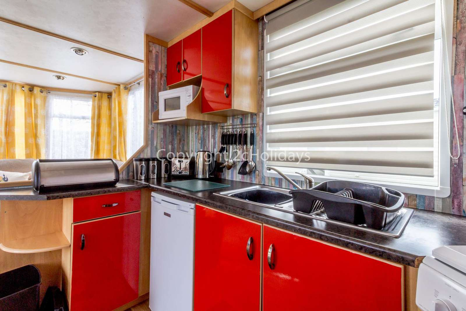 Fully equipped kitchen, perfect for self-catering accommodation!